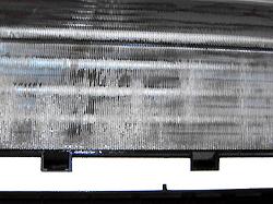 エアコンのクリーニング。特殊な洗浄液でほこりやカビなどの汚れを取ります。