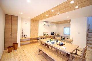 妙高市 自然素材の家 リビング