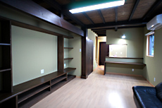 お店の奥に、住居スペースを造りました。 LDKです。