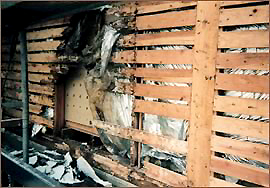 一般住宅 壁内部の損傷