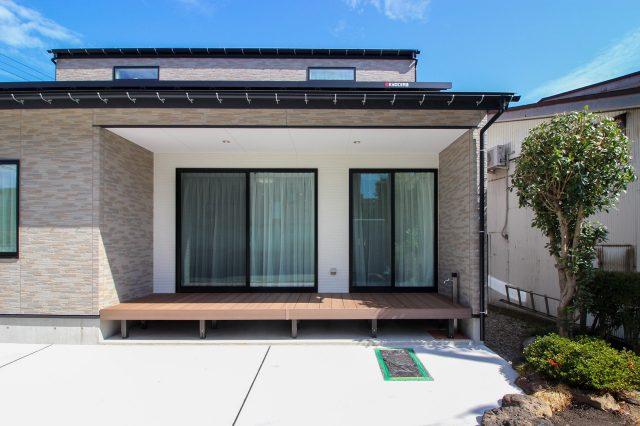 妙高市 Modern Classic House