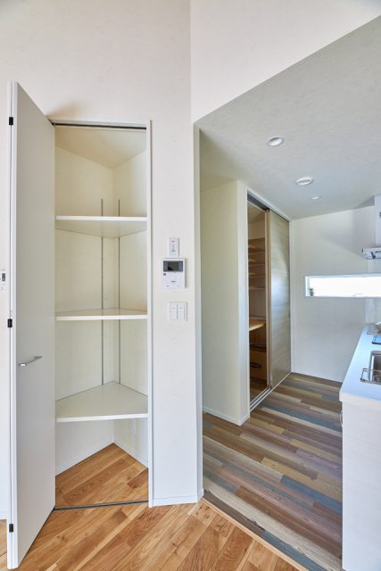 住宅新築 キッチン収納