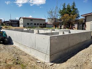 住宅新築工事 基礎完成