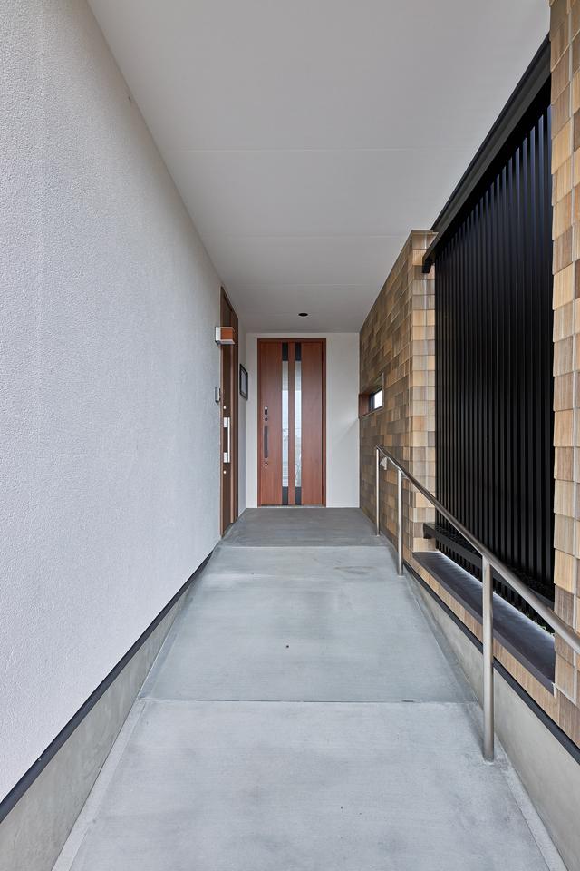 平屋玄関スロープ
